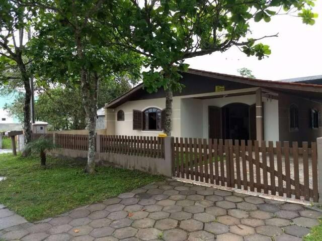 Casa com 3 Quartos  120 m² com piscina.
