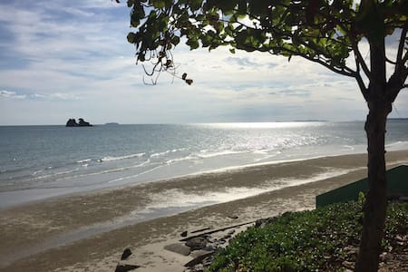 Great beachfront Condo - Tambon Kram, Amphur Klaeng