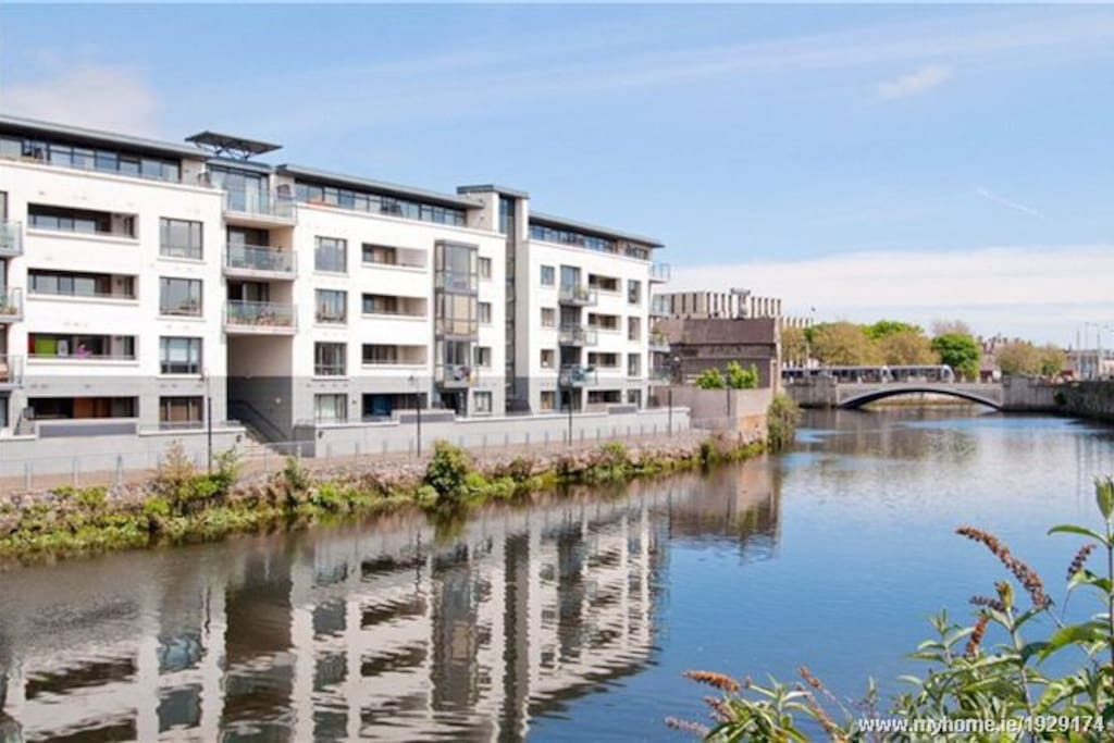 Apartment Complex beside Heuston Station - River Liffey Side