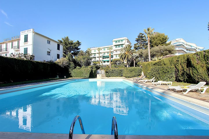 Beautiful flat with pool - Town centre and beaches