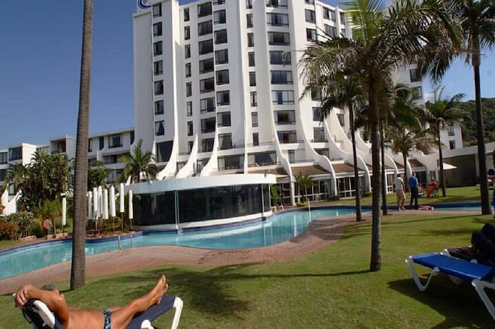 Breakers Resort Luxury Studio Apartment 414 - Umhlanga - Apartamento com serviços incluídos