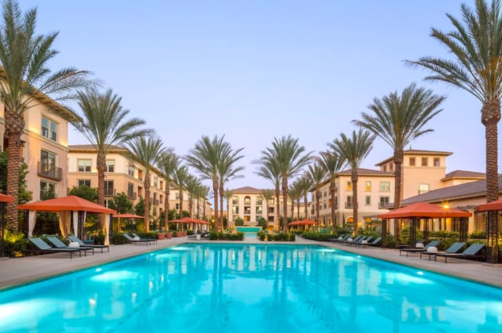 Luxury Large Private Bed & Bath in Irvine