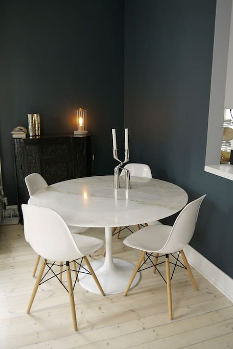 The marble dining table is ideal for tempering chocolate or kneading bread, if so inclined!