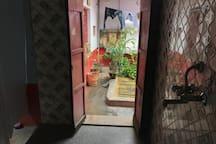 The Three-Window-Room, Panchganga Ghat