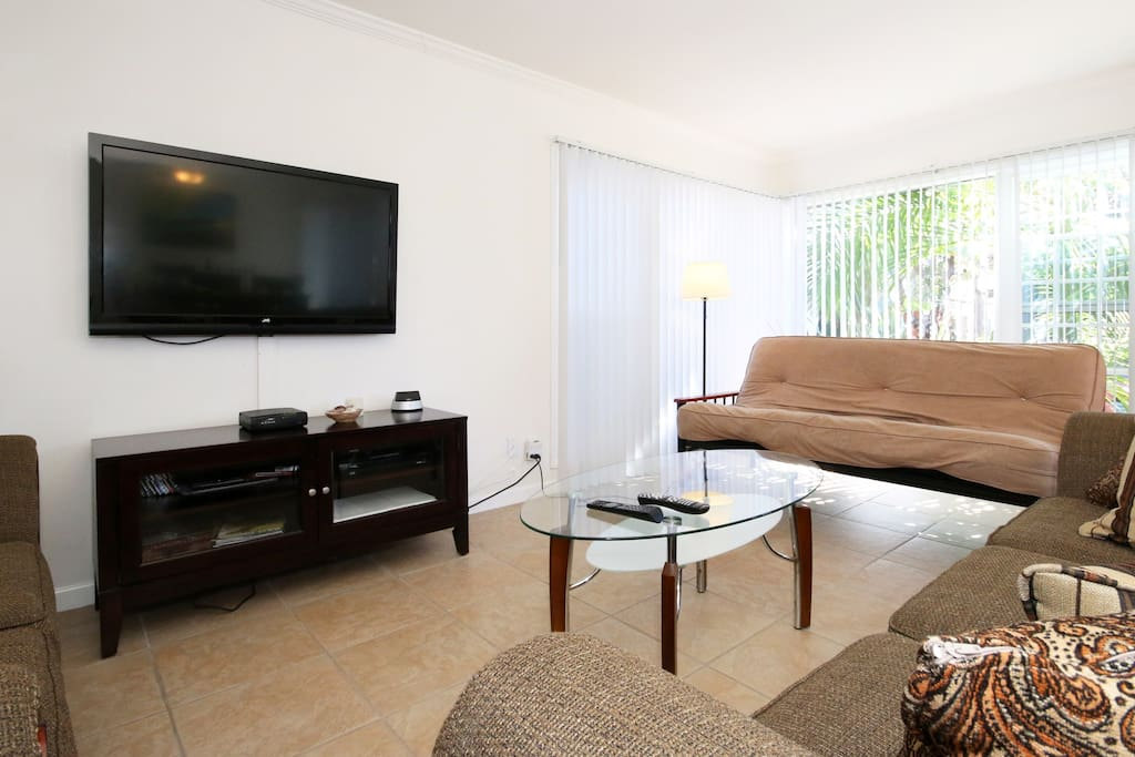 Large flat screen TV with cable. Futon Couch to sleep an extra 2 people.
