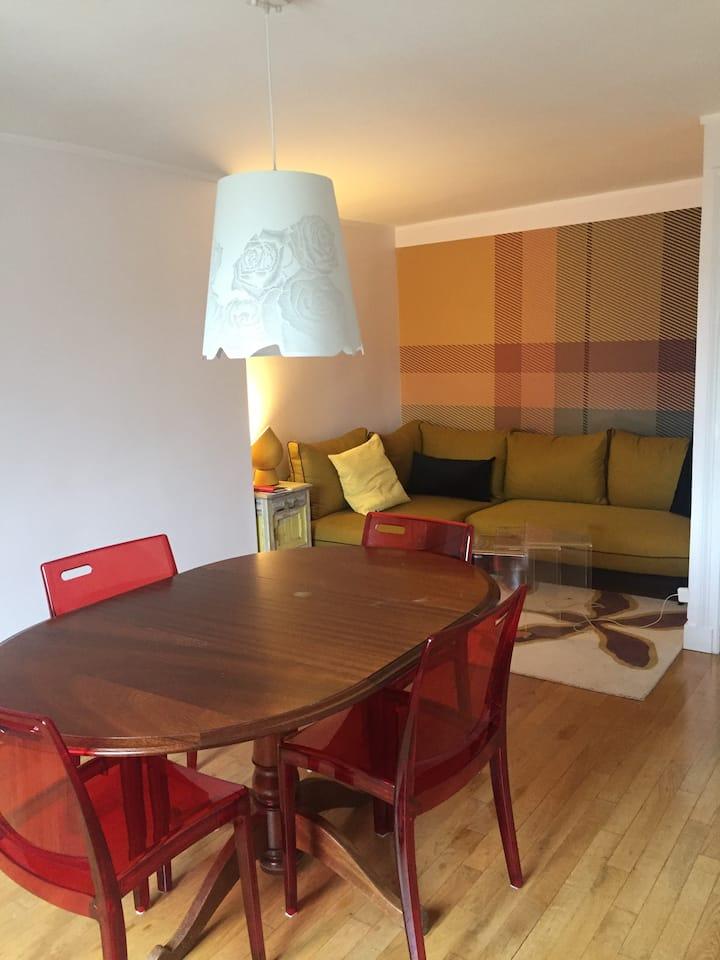 Appartement spacieux, calme et chaleureux.