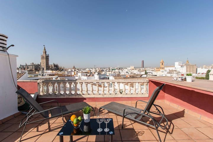 The roof of Sevilla- Chic penthouse -Giralds Views