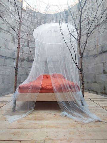The de luxe bedroom
