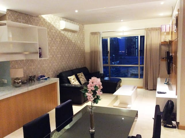 LUX 3BR @Waterplace De Residence + Free Wifi