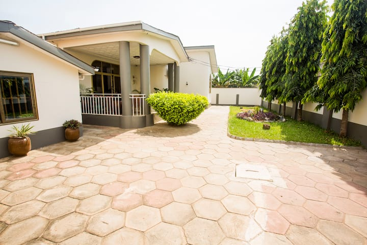 Fully Loaded 5-Bed Home