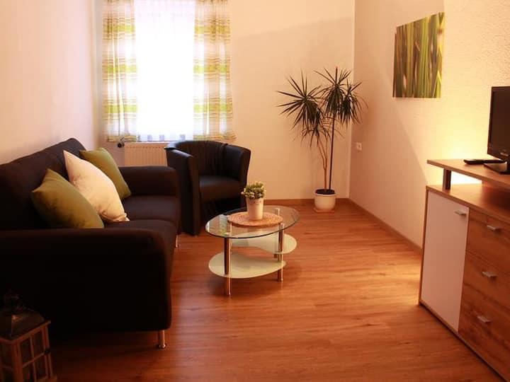 Ferien- und Obsthof Dillmann, (Langenargen am Bodensee), Ferienwohnung B, 68qm, 2 Schlafzimmer, max. 4 Personen