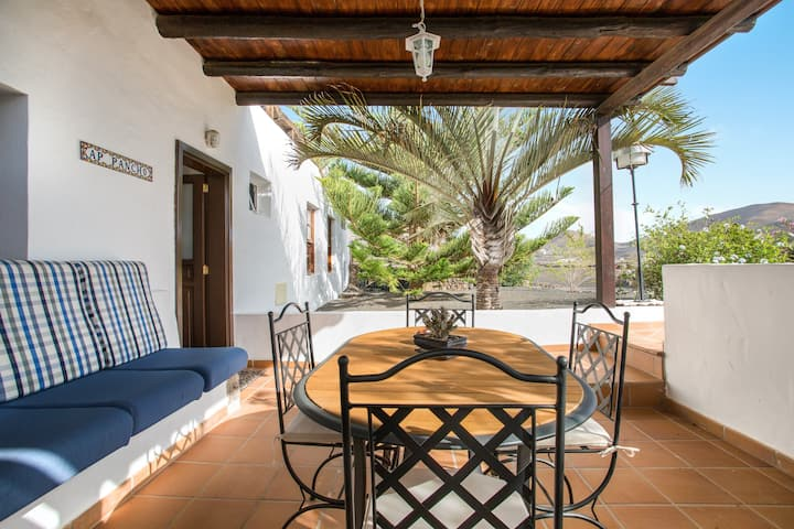 Romantic Rural Apartment Pancho with Patio, Volcano Views & Wi-Fi; Parking Available