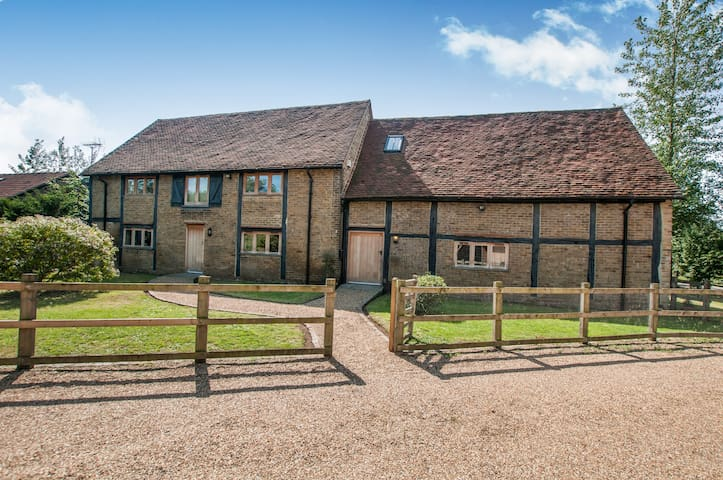 Stunning Barn Conversion - Windsor/Eton/Dorney - Buckinghamshire - Hus