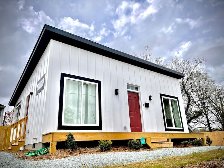 Newly Built Modern Bungalow in Downtown Durham