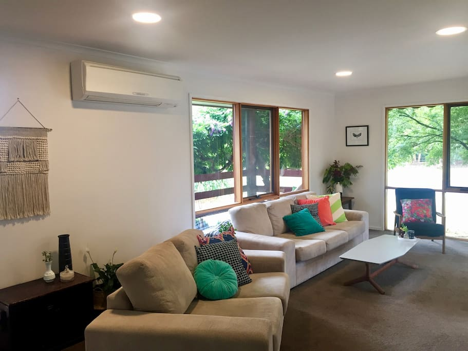 Light filled Lounge with Aircon & Heating