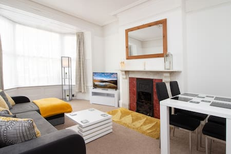 OPP Apartments - ExeterCityCentre, Free Parking