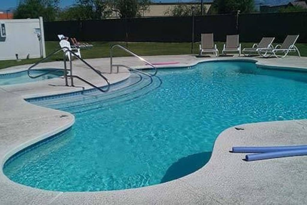 Relax In 2 Pools & Hot Tubs