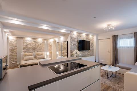 Comfortable modern 70qm  room apartment