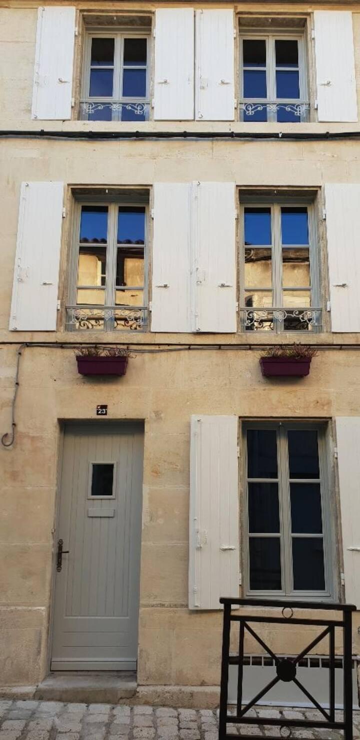 Maison de charme plein centre ville, vieux Cognac