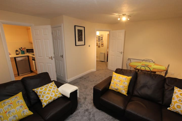 Waters Edge 2 Bedroom Apartment - Royal Leamington Spa - Apartment
