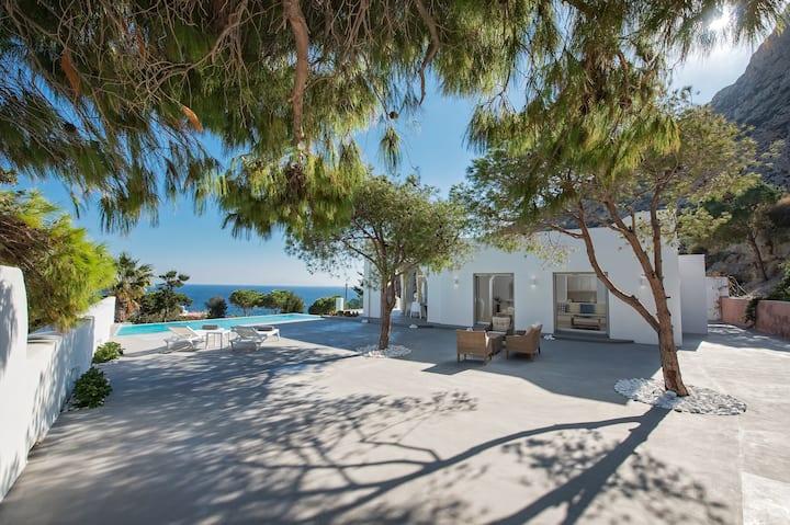 Villa Adrali, four bedrooms villa with pool