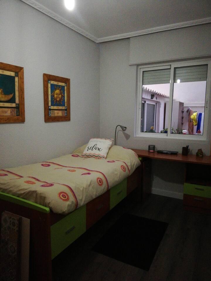 Habitación en Cartagena. Simpatía y amabilidad.