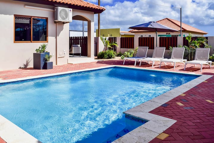 BonBini villa with pool! Your home away from home!