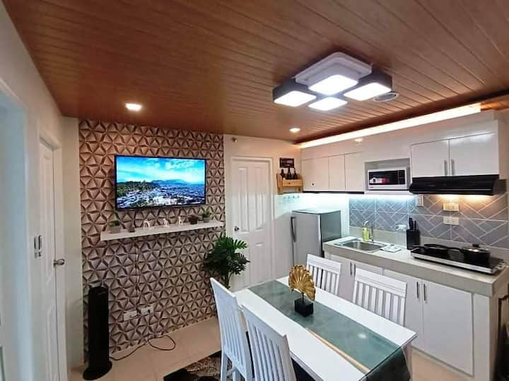 STARK's SUITE2  STYLISH 2BR w/ ILOILO RIVER VIEW