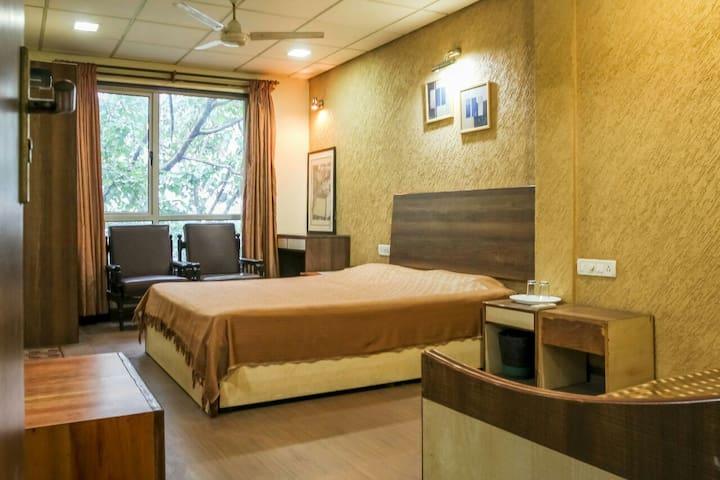 Ac furnished 2BHK Apartment opp Khar west station