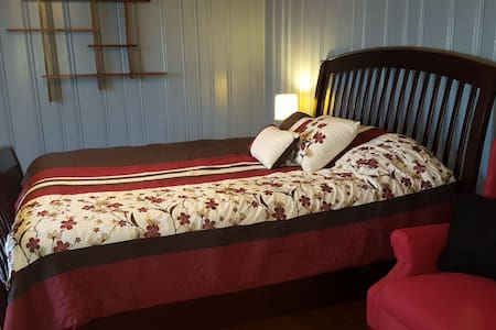 Master Suite and Bathroom, Medical Staff Welcome