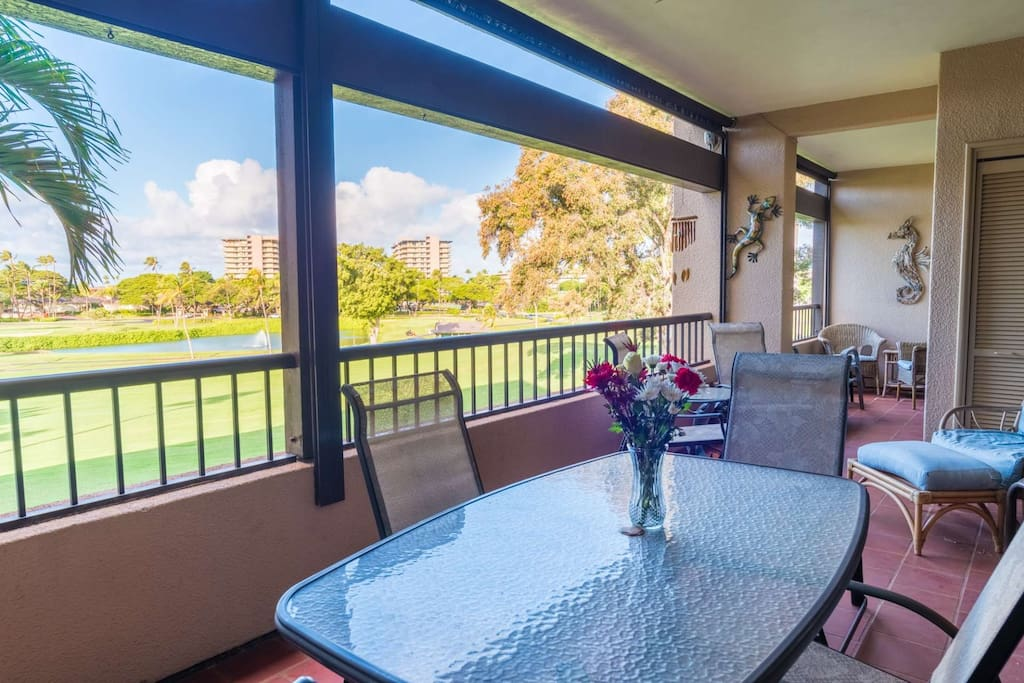 Oversized lanai with plenty of seating  - Beautiful Sunset views!