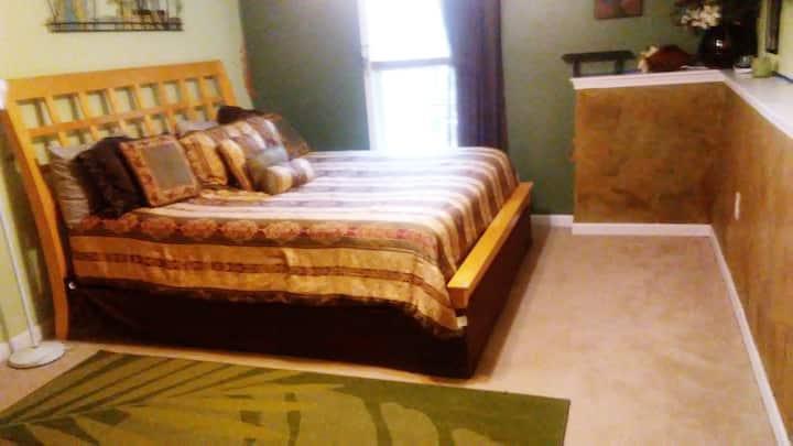 1000 feet  living space,  wheel chair access ,