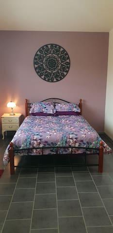Bedroom. Queen bed