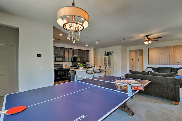 Phoenix Area Family Home Near Golf and Hiking