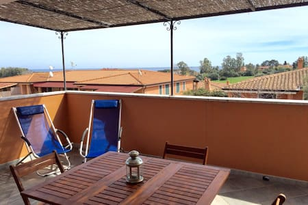 Casa con terrazza vista mare - Bari sardo