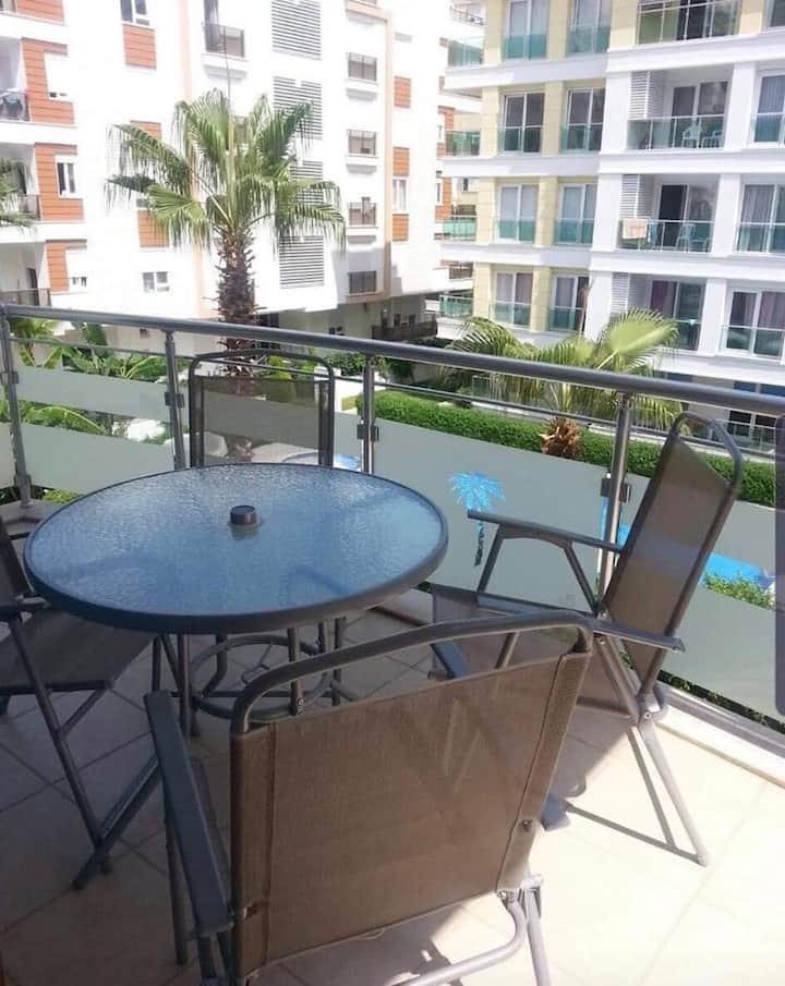 Big apartment with pool 2km from Konyaalti beach