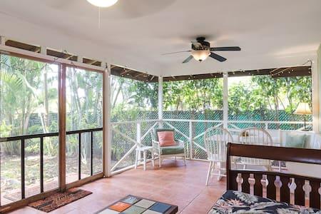 Hawaiian Dream-Across From Beach - Haleiwa