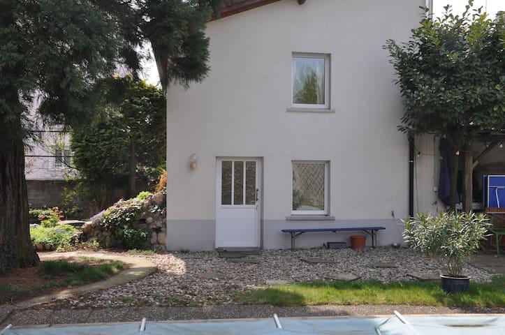 Dreiländereck - Huningue - Rumah