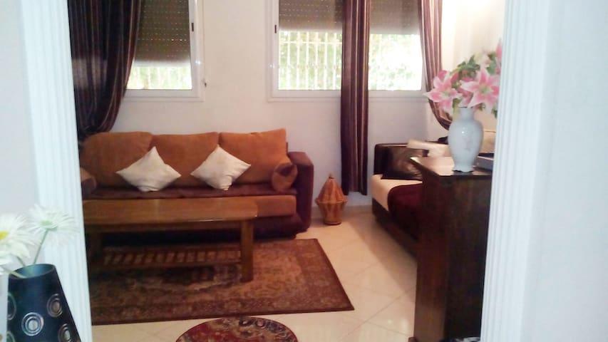 Maryam Aparte
