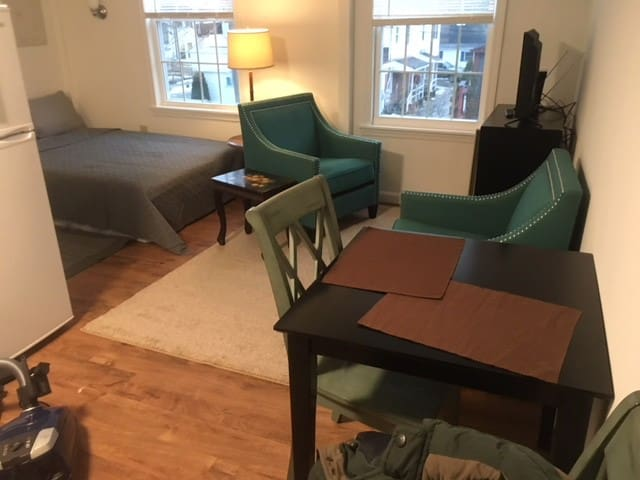 Furnished Studio Downtown Brunswick