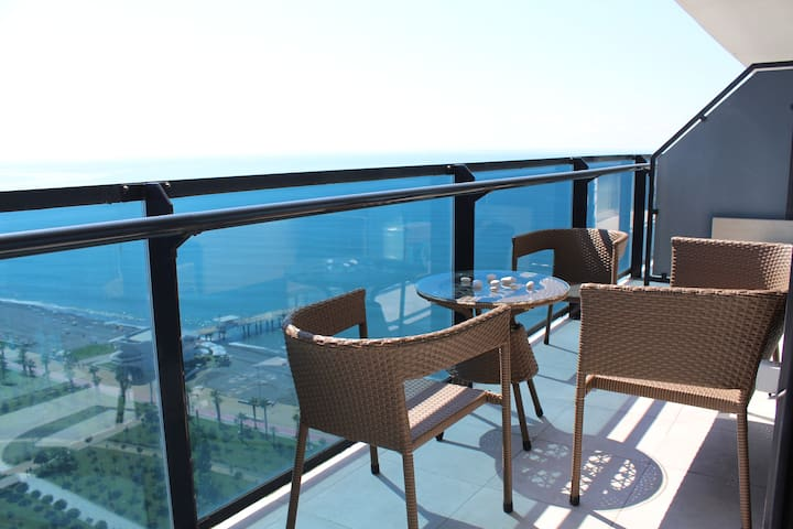 BLACK SEA VIEW APARTMENT IN ORBI BEACH TOWER