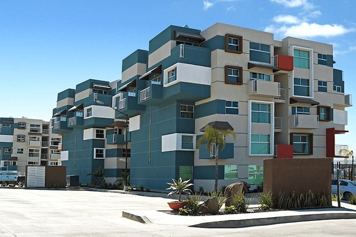 Modern Remodeled Apt in Condominio San Carlos II