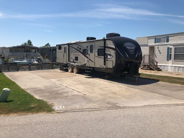 Waterfront Lot only for Rent, (RV Optional)