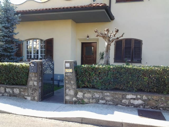 Appartamento in villa Pisa zona aeroporto. - Pisa - Pis