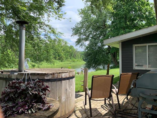 Muskegon River House, fish, tube, kayak and canoe!