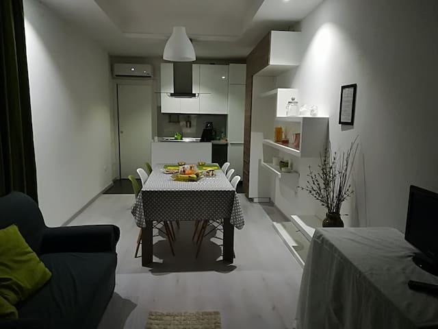 DD Home - Mini Smart Apartment - For Two