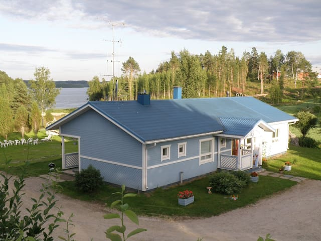 Villa Bluefox overlooking Lake Simpele