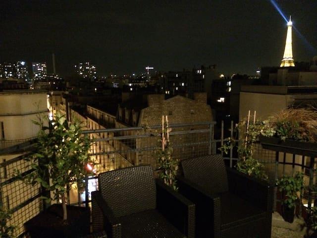 Eiffel Tower Terrace Apartment