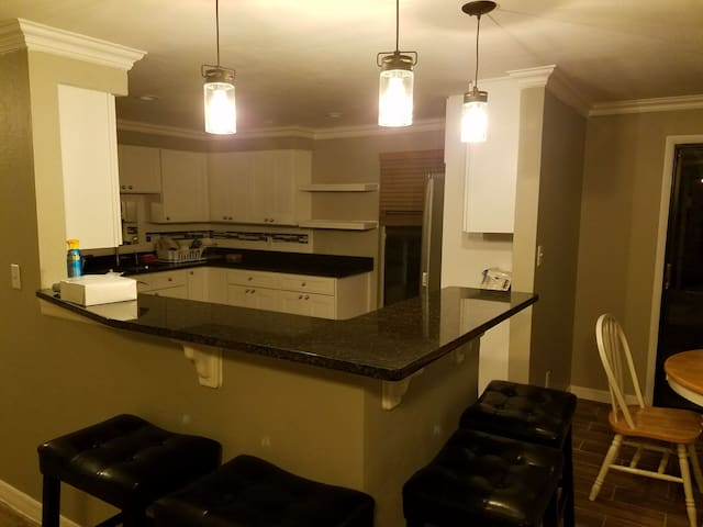 Newly Furnished House near Disney and Universal - Orlando - Casa