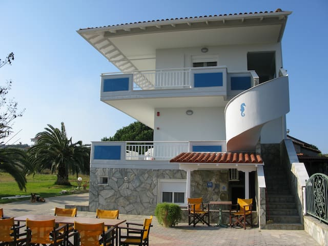 SEAVIEW APARTMENTS, BEACH, NEA POTIDEA/HALKIDIKI - Nea Poteidaia - Apartment
